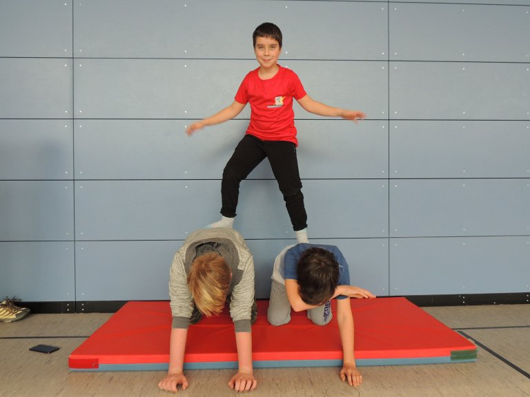 Schulsport Akrobatik 2