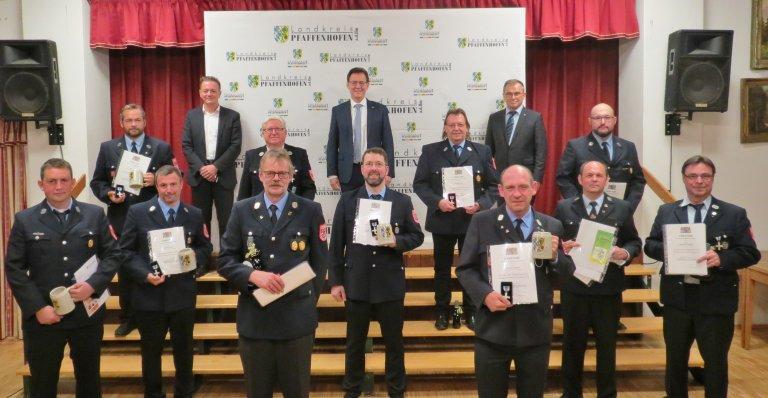 Landratsstellvertreter ehrte verdiente Feuerwehrleute aus dem Landkreissüden